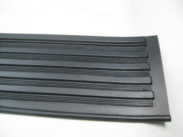 39 Dodge Running Board Mat Narrow End)